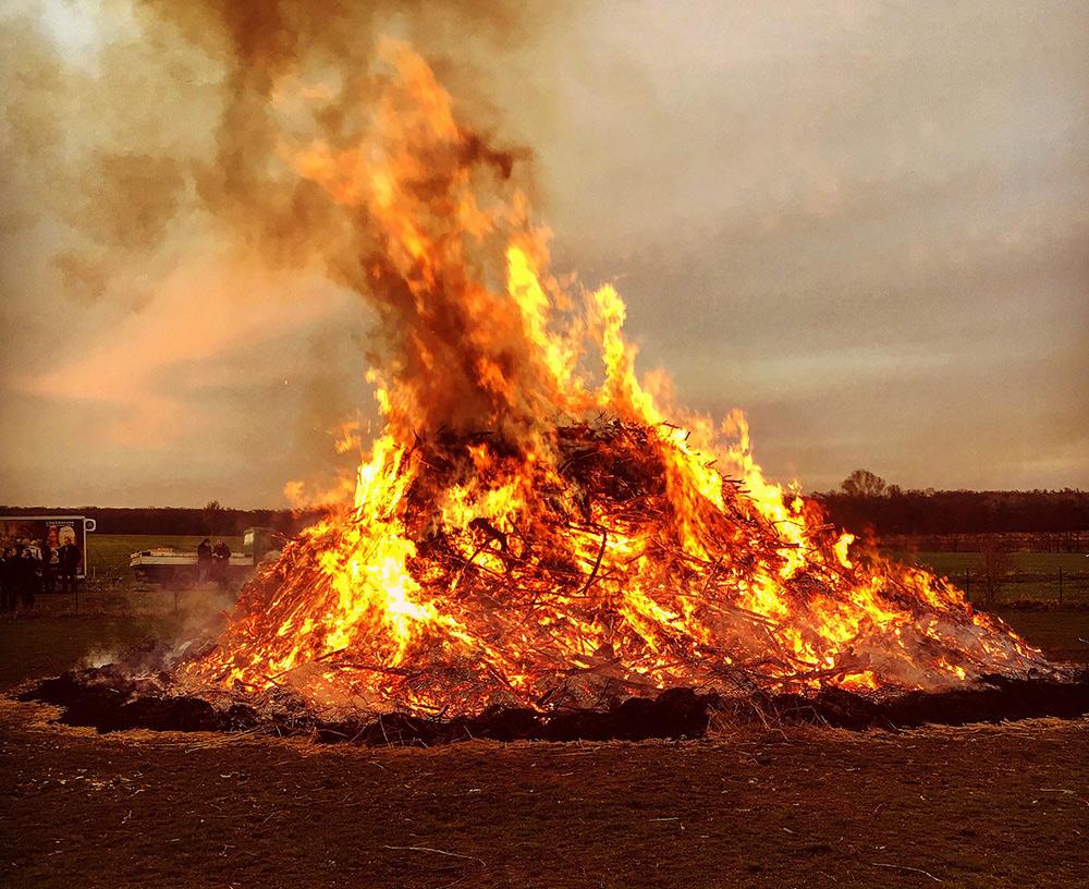 Das Osterfeuer brennt - Die ideale Feuerschale
